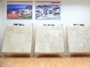 Travertinplatten in der Musterschau Wuppertal