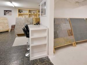 Showroom_Affoltern_Zürich_Innenansicht_Mustertafeln_Raumübergang